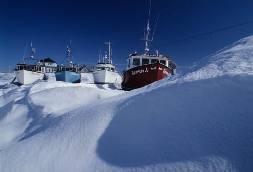Bateaux de pêche dans la neige - Crédit Photo - M.Bonato
