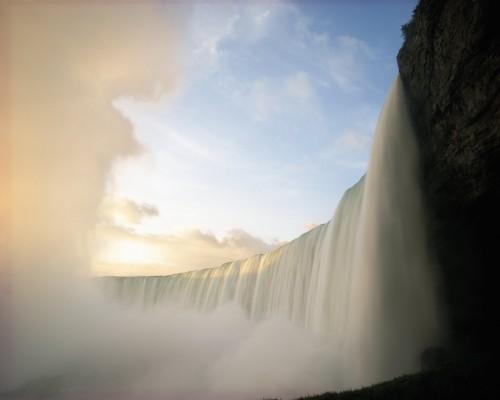 Chute Niagara Lever soleil 1 - Credit Photo Ontario Tourism
