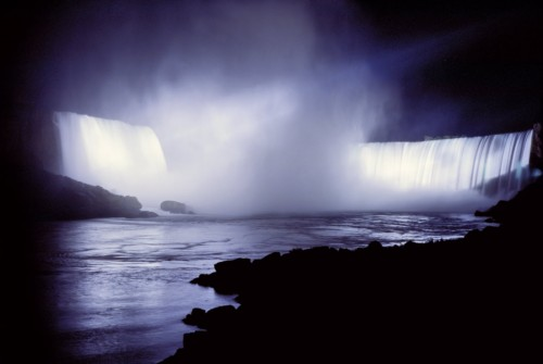 Chute Niagara Nuit - Credit Photo Ontario Tourism