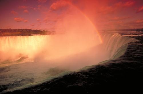 Chute Niagara couché de soleil - Crédit Photo Ontario Tourism