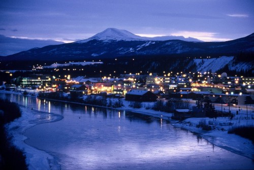 Whitehorse nuit - Credit Photo Government of Yukon